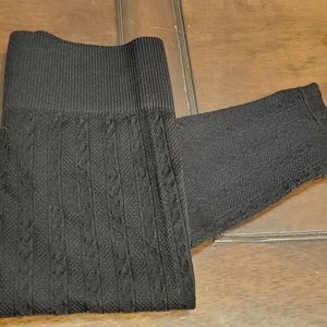 NWOT  Grey cable knit leggings Size M